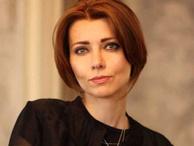 Elif Şafak: Benim Türkiye'm de anneannem gibi öldü!