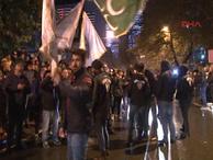 Beyaz TV önünde Rasim Ozan Kütahyalı protestosu