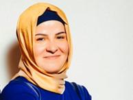 Ayşe Baykal Akit yazarını yerden yere vurdu