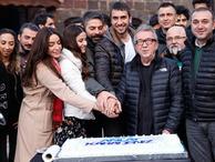 'Sen Anlat Karadeniz' ekibinden pastalı kutlama