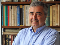 Alkışlar Prof. Dr. M. Şükrü Hanioğlu için...