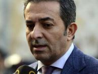 Hürriyet gazetesi Akif Beki'yi kovdu...
