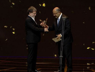 Buket Aydın ve Ahmet Hakan'a ödül!