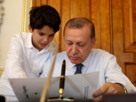 Cumhurbaşkanı Erdoğan'ın torunu TRT'de yarışmaya katıldı