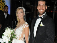 Ünlü oyuncu Özge Özder'in düğün dansı olay oldu
