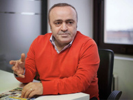 Günün muhabiri Ali Eyüboğlu