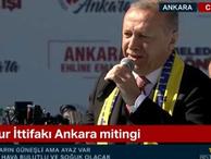 Cumhurbaşkanı Erdoğan Kayahan'ın şarkısına eşlik etti