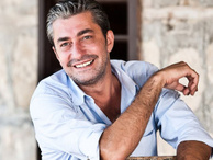 Erkan Petekkaya'ya Emel Müftüoğlu ve Yeşim Salkım'dan destek