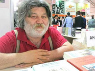Gazeteci Ahmet Nesin, vatandaşlıktan çıkacağını duyurdu