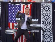 ABD'de konser veren Mustafa Sandal'dan Trump itirafı: Sitcom karakteri gibi