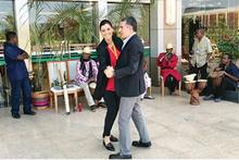 Hande Fırat ile Hakan Çelik'in Madagaskar dansı