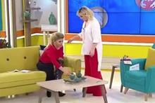 Beyaz Tv'de Hayatta Her Şey programında Nuray Sayarı canlı yayında fenalaştı