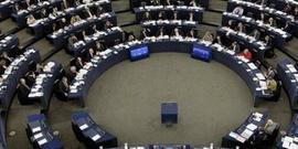 AP Türkiye'deki gazeteciler için karar tasarısını kabul etti