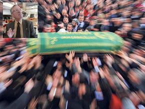 Hürriyet'in eski yazarı Tamer Güvenç hayatını kaybetti