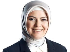 Günün yazarı Ayşe Böhürler...