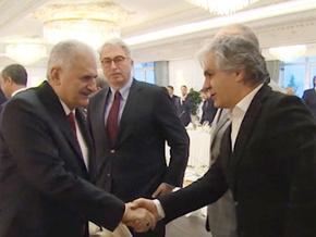 Başbakan'dan medya temsilcileriyle Zeytin Dalı Zirvesi