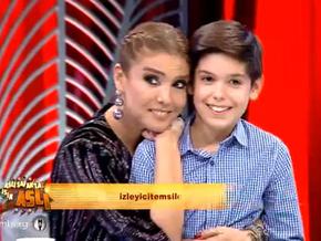 Gülben Ergen oğlu Atlas'ı ilk defa katıldığı bir programda yanına davet etti