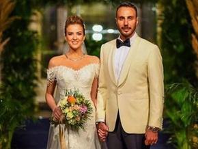 Rüya gibi düğün! Ünlü spiker Simge Fıstıkoğlu dünyaevine girdi