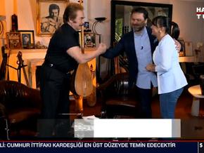 Orhan Gencebay 50 yaşındaki oğluyla ilk kez ekrana çıktı