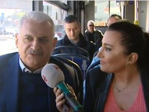 Binali Yıldırım Sevilay Yılman ile birlikte otobüse bindi