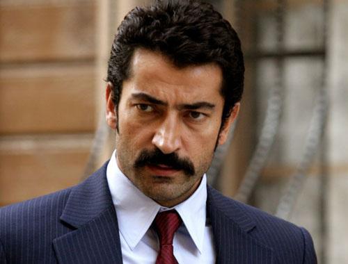 Kenan İmirzalıoğlu servet kazanacağı dizide yaş krizine takıldı
