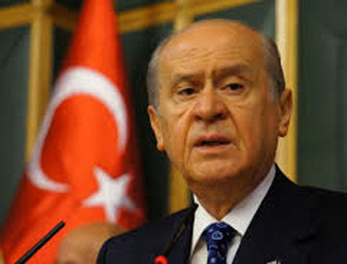 Devlet Bahçeli'den Murat Boz ve Hadise'ye telefon