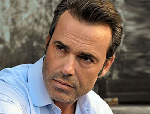 Murat Başoğlu'ndan 'Cehennemde yanacaksın' diyen takipçisine küfür