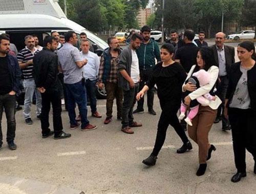 Ayşe öğretmen bebeğiyle birlikte cezaevine girdi