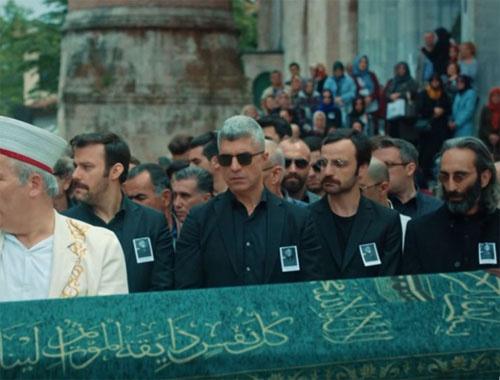 İstanbullu Gelin'in finalinde beklenmeyen ayrılık! İzleyiciler şaşkına döndü