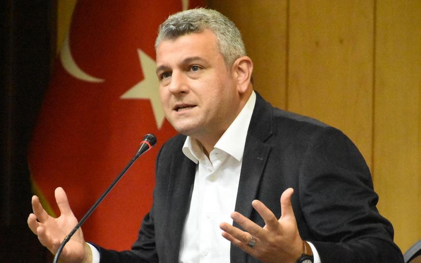 Alkışlar, Hilal Kaplan'a destek veren Ersoy Dede'ye