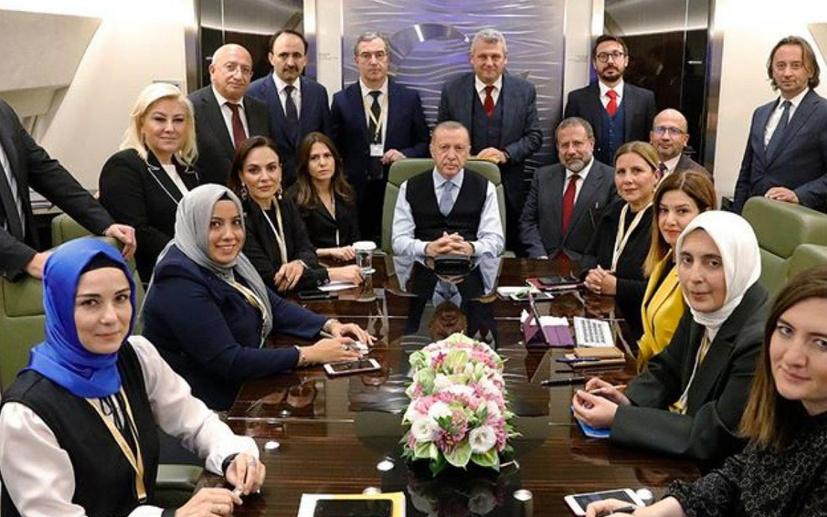 Ersoy Dede, Erdoğan'ın uçağındaki magazin haberlerini yazdı