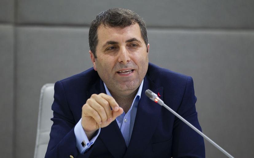 Fatih Selek'ten Rahmi Turan'a sert sözler: Koronavirüsten daha tehlikeli!