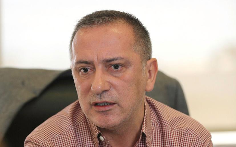 Fatih Altaylı: 'Evde kal' deniliyorsa zorunlu olmayan işler tatil edilsin