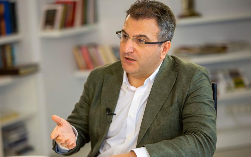 Cem Küçük'ten AYM'ye Enis Berberoğlu eleştirisi