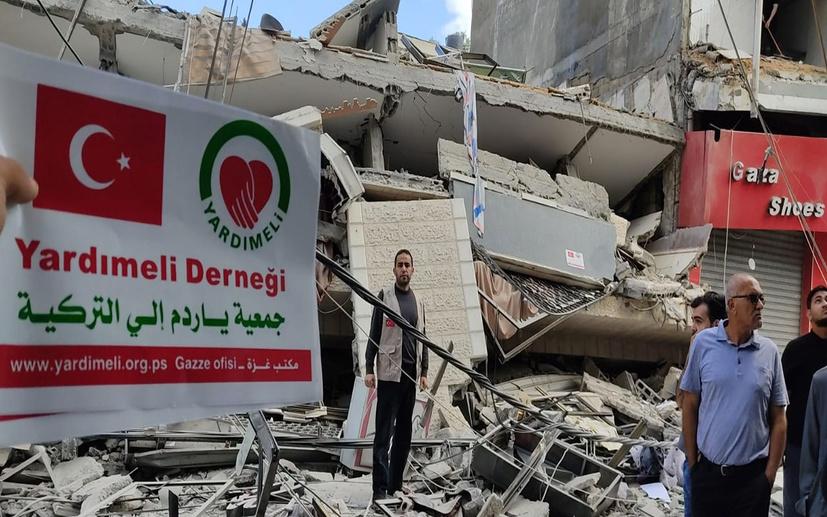 İsrail savaş uçakları Türk yardım Kuruluşu Yardımeli Derneği'ni de bombaladı