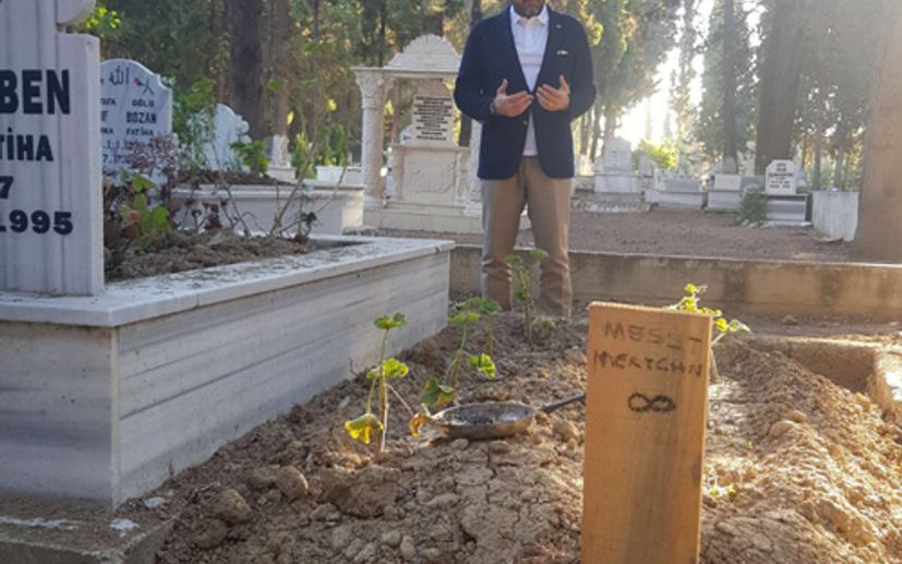 Usta haberci Mesut Mertcan'ın kabri yeniden yapılıyor