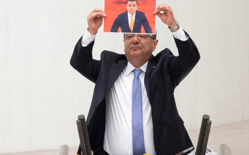 CHP'li vekil Meclis kürsüsüne portakal ve mandalinayla çıktı
