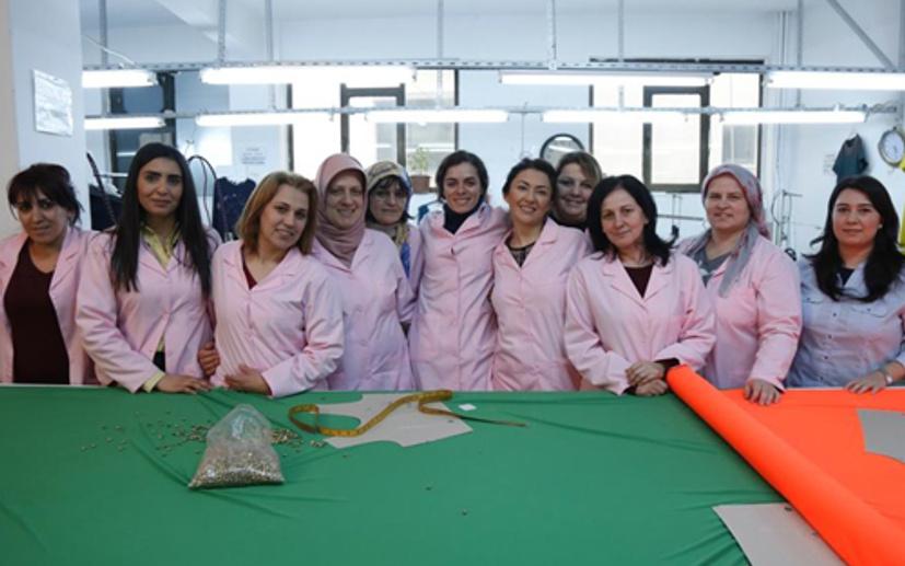 Kadın dizisinde gerçek işçiler oynadı
