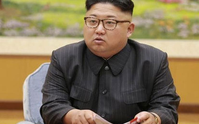 Alkışlar Moon Jae-İn ve Kim Jong-Un için...