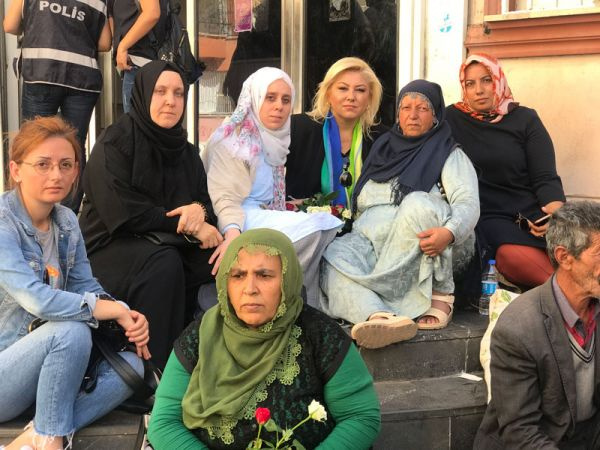 Kadın gazetecilerden Diyarbakır'daki annelere destek - Sayfa 4