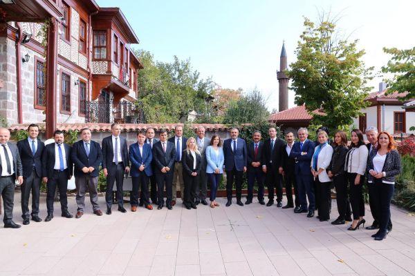 AK Parti Genel Başkan Yardımcısı Mahir Ünal'dan Anadolu Yayıncılar Derneği'ne ziyaret - Sayfa 3
