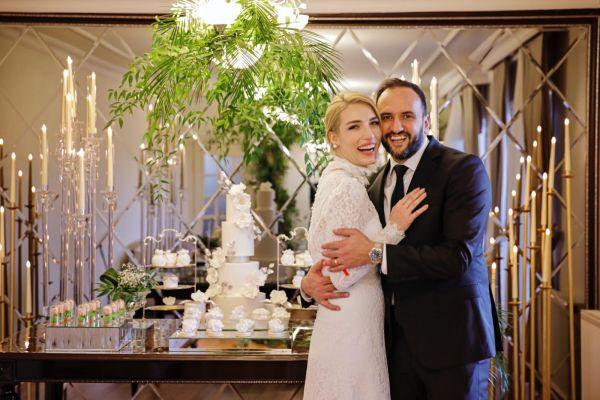 Ünlü sunucu Cansu Canan Özgen'in mutlu günü! Eski basketbolcu ile nişanlandı - Sayfa 1