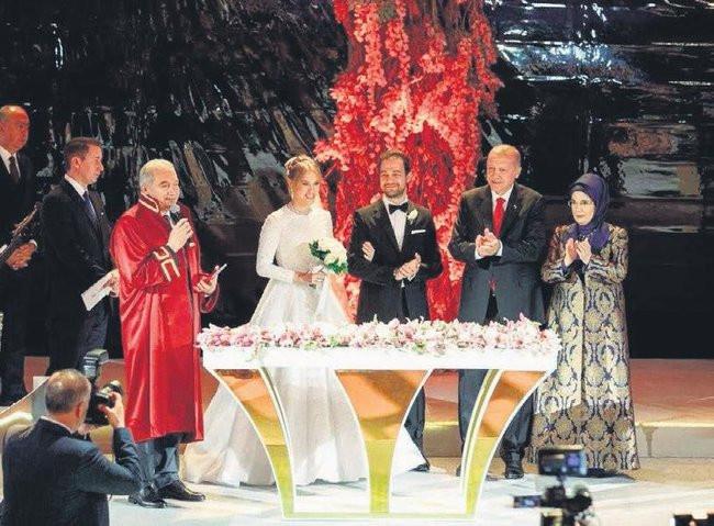 Medya patronları dünür oldu! Yelda Demirören ve Haluk Kalyoncu evlendi! - Sayfa 2