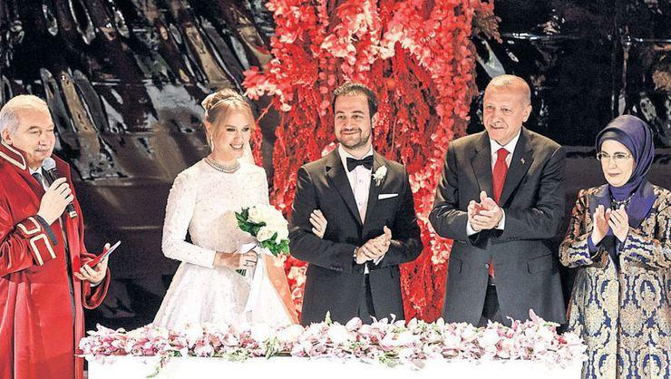 Medya patronları dünür oldu! Yelda Demirören ve Haluk Kalyoncu evlendi! - Sayfa 4